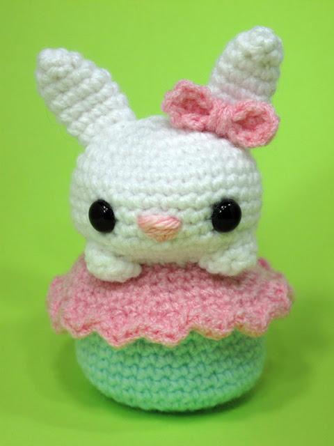 Amigurumi Cupcake Bunny : Free Crochet Amigurumi Bunny Cupcake Pattern