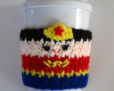 crochet-wonder-woman-cozy-w2