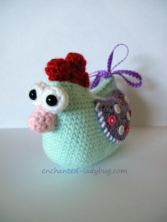Cute Crochet Chicken Pattern with Buttons and Ribbons