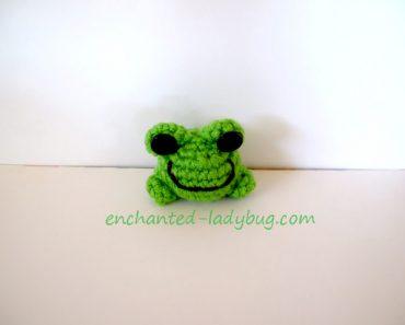 crochet-frog-w2