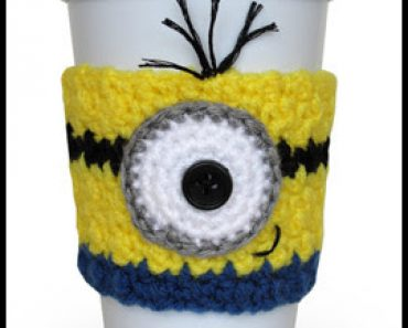 crochet-minion-cozy-w