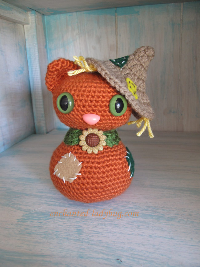 Free Crochet Amigurumi Scarecrow Cat and Crow Pattern