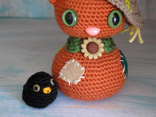 Free Crochet Amigurumi Scarecrow Cat and Crow Pattern