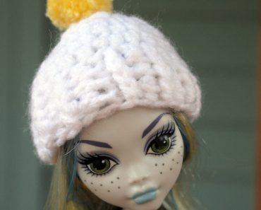 mh-white-pom-hat-2w