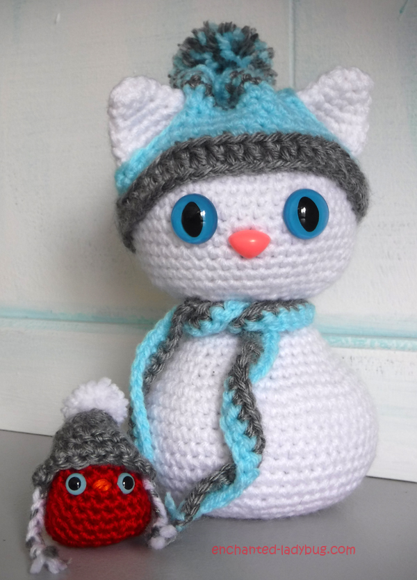 Free Crochet Amigurumi Winter Snow Cat and Red Bird Buddy Pattern
