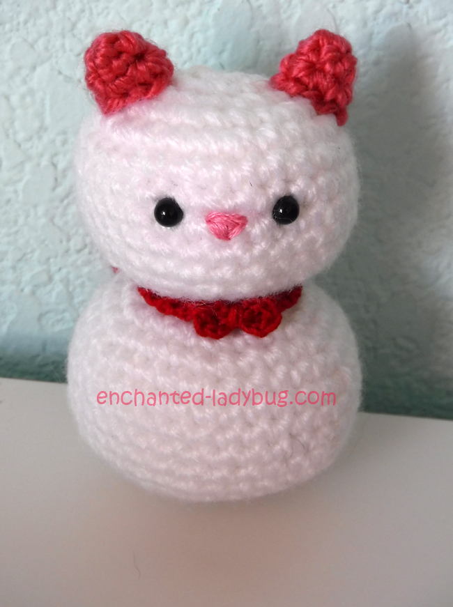 Free Crochet Amigurumi Valentine's Day Cats Pattern Leo and Charlotte