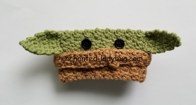 baby-yoda-free-crochet-coffee-cup-cozy-pattern-
