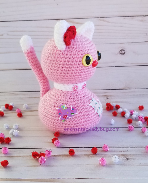 Valentine's Day Crochet Amigurumi Cat and Bird